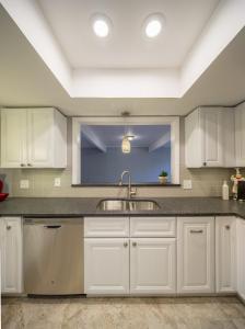 Complete-Modern-Kitchen-Redesign-LED-lighting-