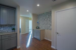 Full-Modern-Kitchen-Remodel-mosaic-backsplash