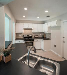 Kitchen-update-New-countertops-painted-cabinets-1